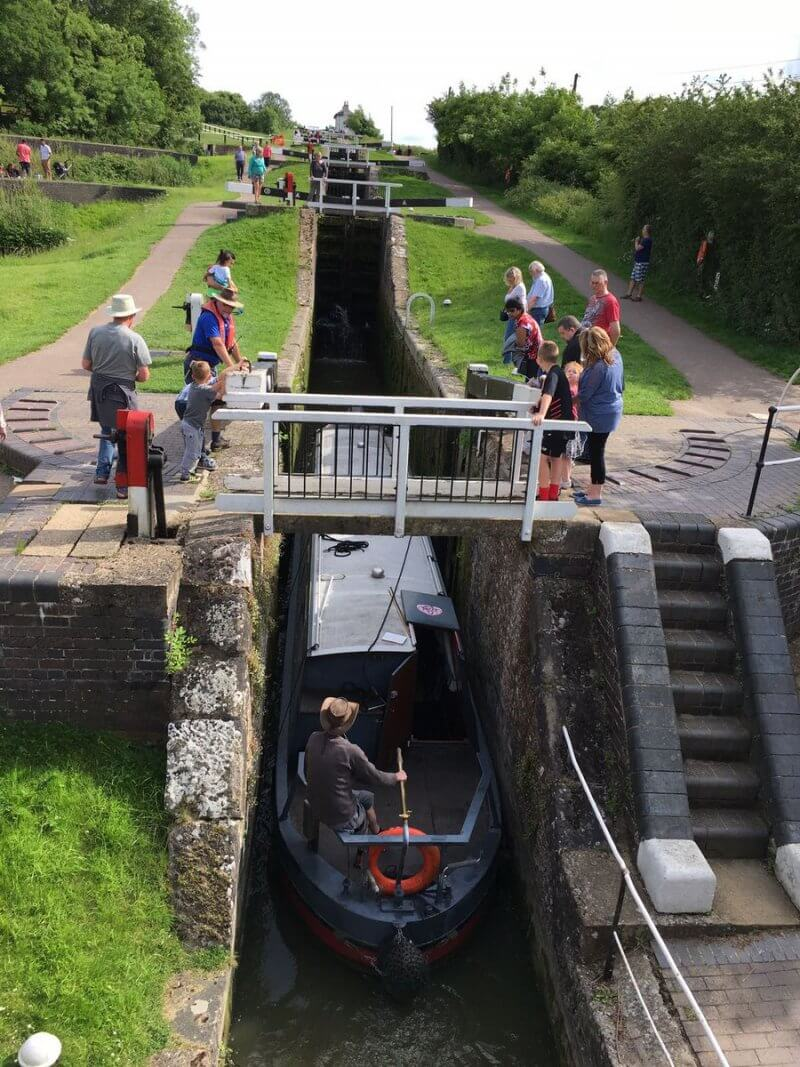 Fun at spectacular Foxton locks as narrow boat takes an hour to climb what we can walk in 4 minutes!